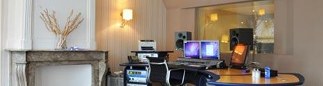 https://www.intervoiceover.com/en/wp-content/uploads/sites/23/2013/12/studio_tour_v1.jpg